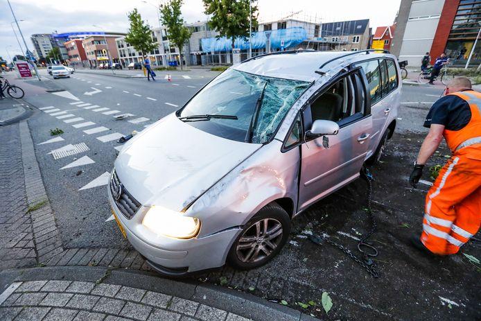 Gewonde bij ongeval door inhaalactie op zeer hoge snelheid en aangehouden voor het rijden onder invloed.