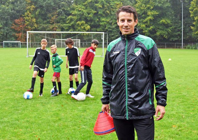 Oud-speler Steven de Croock is bij Aardenburg nu jeugdcoördinator én jeugdtrainer.