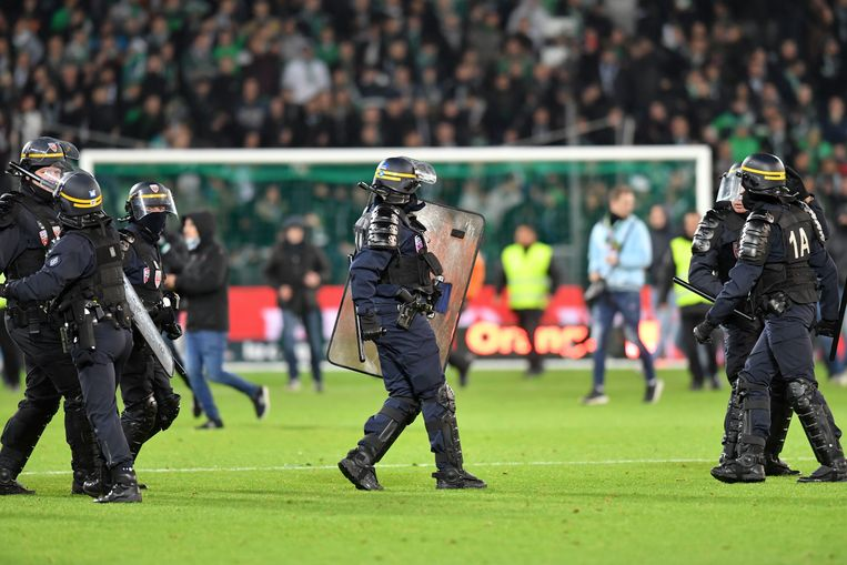 ILLUSTRATION - POLICE - SECURITE - CRS FOOTBALL : Saint Etienne vs Lyon - Ligue 1 Conforama - 05/11/2017 © PanoramiC / PHOTO NEWS PICTURES NOT INCLUDED IN THE CONTRACTS  ! only BELGIUM !