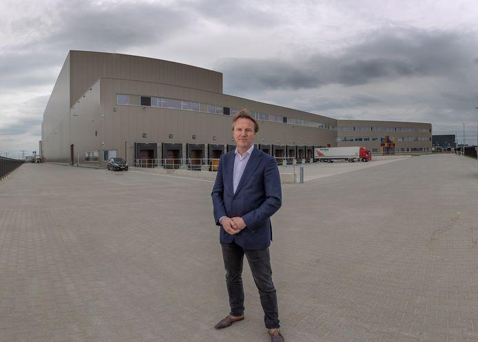 Robert Hoogstra voor de nieuwbouw van Euroma op Hessenport in Zwolle, 2019.