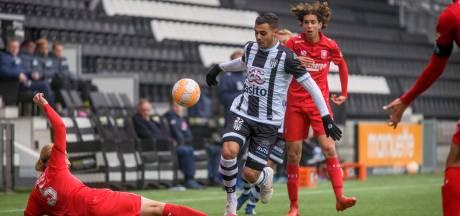 Buscombi bij derby Heracles 2 - FC Twente 2