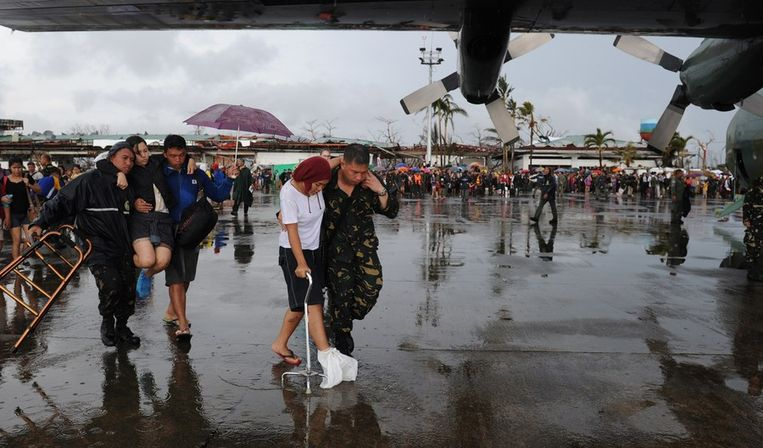 Beeld van het vliegveld van Tacloban Beeld ANP