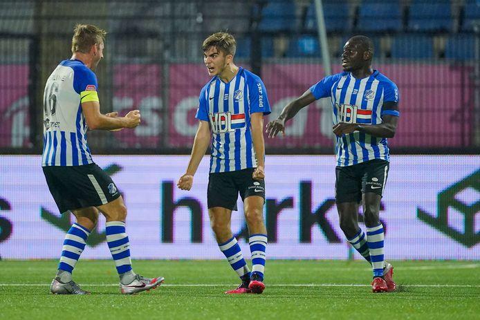 Iker Pozo La Rosa juicht na de late 3-3 namens FC Eindhoven.