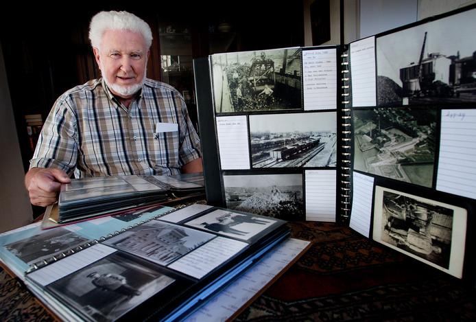 Joris Buitendijk, verzamelaar van oude foto's en aansichtkaarten.