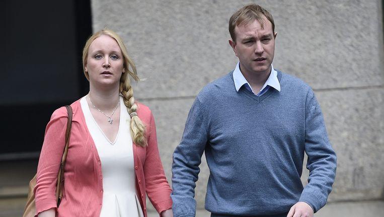Tom Hayes komt met zijn vrouw aan bij de rechtbank in Londen. Beeld epa