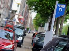 Tijdelijk meer parkeerplekken in de stad door horecasluiting