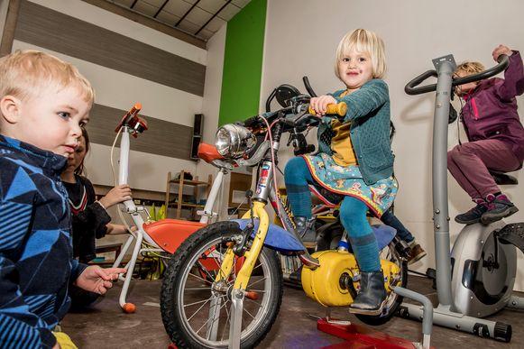 Heel wat enthousiaste fietsertjes in de Freinetschool.