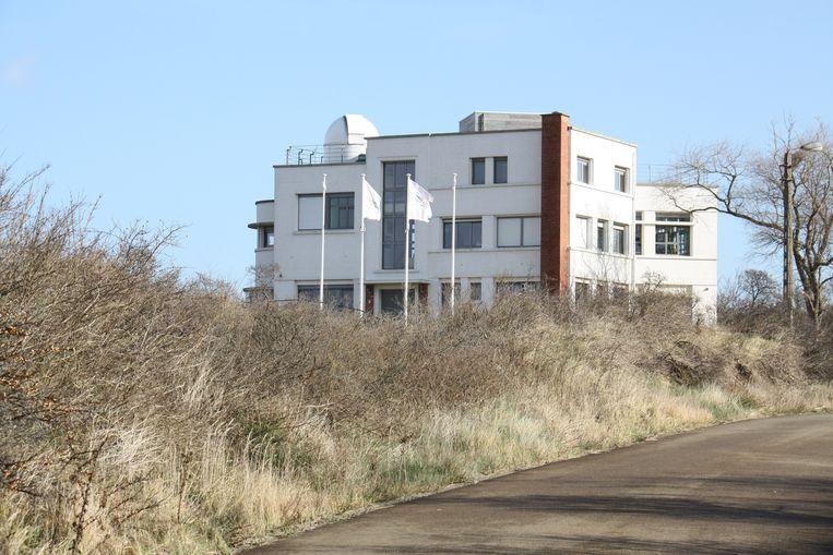 Dit Duinenhuis in Koksijde is zaterdag het vertrekpunt voor de avondwandeling