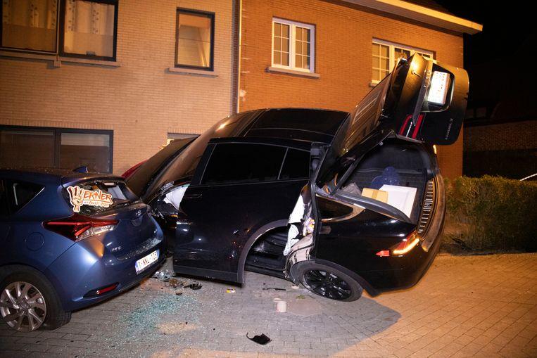 De Tesla zorgde voor een ware ravage op de Dries in Nieuwerkerken.