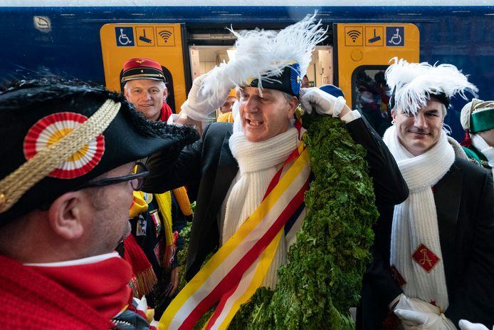 De aankomst van Prins Amadeiro XXVI op het station in 2020.