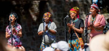 Zingende Bosjesvrouwen sensatie op dertigste Afrikafestival