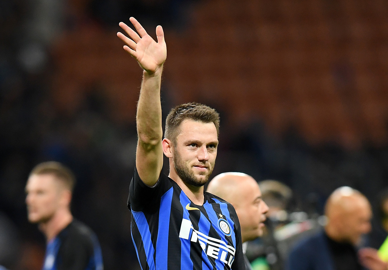 Stefan de Vrij is met Inter dicht bij de Champions League.