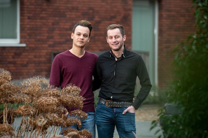 Ronnie en Jasper, het homostel dat in 2017 in elkaar geslagen is op de Nelson Mandelabrug in Arnhem.