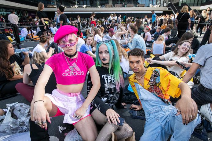 Ariana Grande-fans voor de Ziggo Dome.