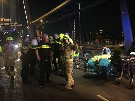 Vier gewonden bij auto-ongeluk Erasmusbrug