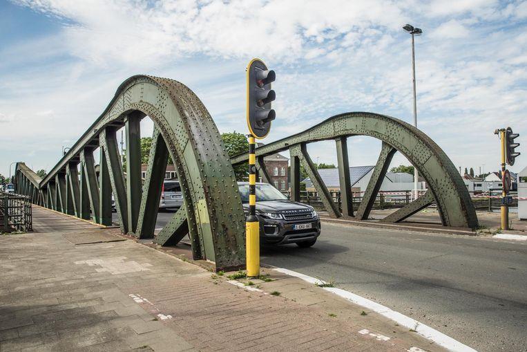De Meulestedebrug is al sinds 2001 een zorgenkindje.