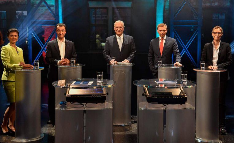 De leiders van Die Linke, die Grünen, CSU, FDP en AfD voor een televisiedebat Beeld AFP