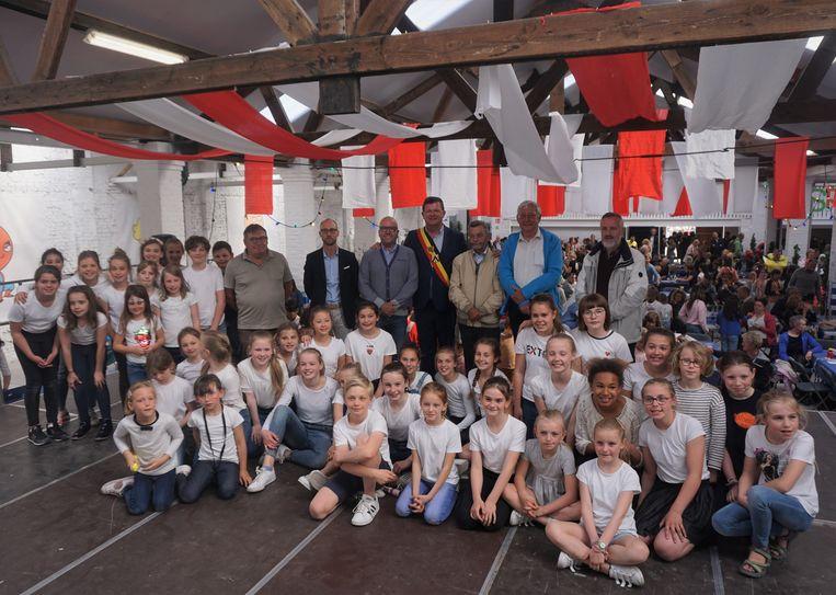 Het Onze-Lieve-Vrouwecollege van Oostende huldigde met een schoolfeest haar nieuwe binnenspeelplaats in