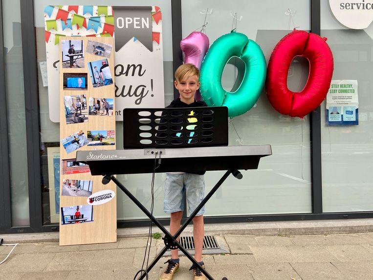 Milan Lucassen (11) speelde zaterdagavond zijn honderdste en laatste concertje voor de zorg