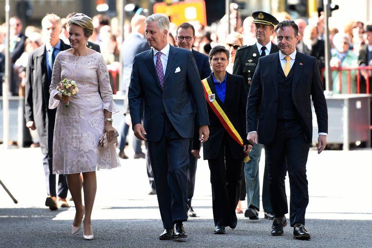 Bart De Wever draagt nooit zijn burgemeesterssjerp. Cathy Berx heeft hier wel een tricolore lint om, in haar hoedanigheid van gouverneur van de provincie Antwerpen.