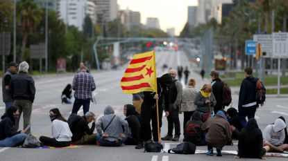 Catalaanse betogers blokkeren straten in Barcelona