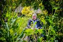 Alleen een volledig ecologische landbouw kan de natuur redden, meent dr ir HenkTennekes. ,,We hebben een nieuwe Sicco Mansholt nodig'', verwijst hij naar de naoorlogse landbouwminister van PvdA-huize.