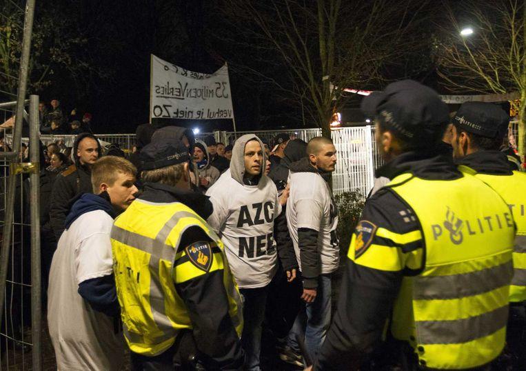 Protest tegen het AZC in Geldermalsen liep uit op geweld. Beeld anp