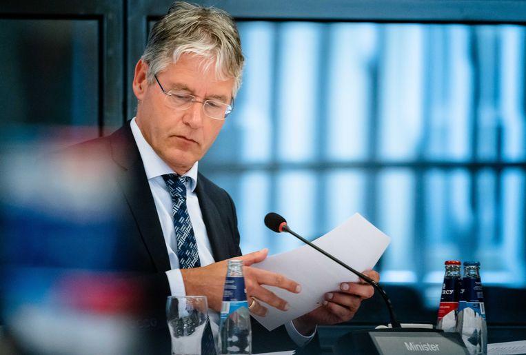 Onderwijsminister Arie Slob eerder deze week bij een spoeddebat over examens. Beeld ANP