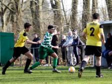 Trainer FC Moerstraten gelooft in zege van zijn club: 'Ik durf daar wel een kratje op in te zetten'