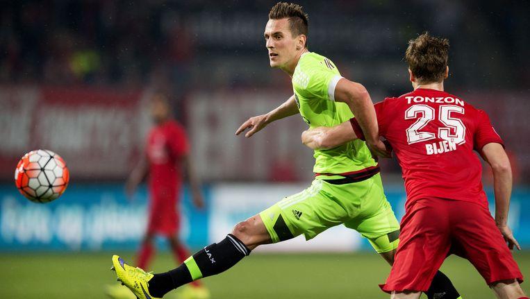De wedstrijd tussen FC Twente en Ajax eindigde in september in een 2-2 gelijkspel Beeld anp