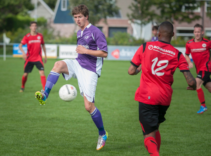 Mats Willemse van Bruse Boys (paars shirt).