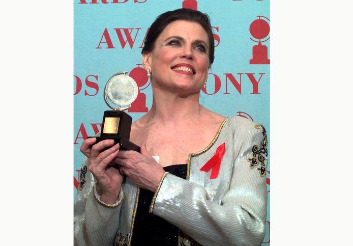 Ann Reinking ontvangt een Tony Award voor beste choreografie voor de musical Chicago', gewonnen tijdens de 51ste jaarlijkse Tony Awards op 1 juni 1997.