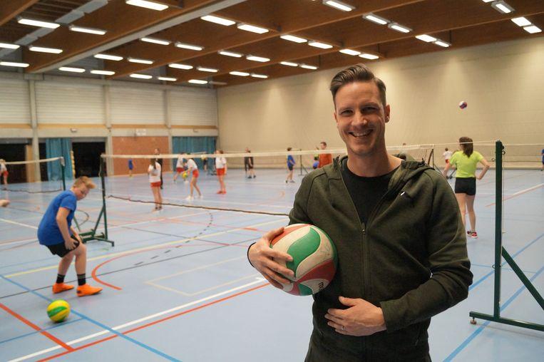 Om de tanende belangstelling in de naschoolse sportactiviteiten het hoofd te bieden kwam Bruno Taillieu op de proppen met het concept van 'tussenschoolse' sport