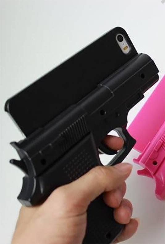 Het hoesjes zou aangezien kunnen worden voor een echt vuurwapen, met alle gevolgen vandien.
