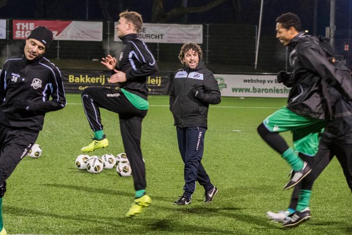 Baronie-trainer Jurriaan van Poelje tijdens een training.