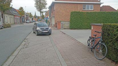 Fietser (58) in levensgevaar na aanrijding in Beervelde