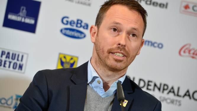 """NAC-manager Tom Van den Abbeele krijgt in waanzinnig interview forse kritiek van eigen trainer: """"NAC is geen opvanghuis"""""""