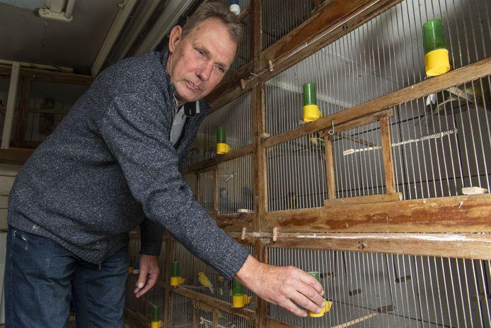 Gerard Somsen, voorzitter Ons Genoegen, verwacht dat drie vogelclubs op korte termijn zullen fuseren.