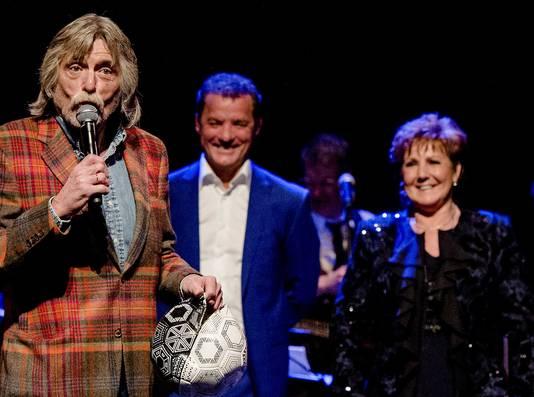 Johan Derksen op de albumpresentatie van John de Bever en Marianne Weber