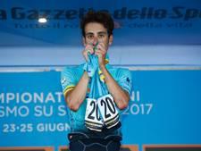 Aru wint in shirt van overleden Scarponi