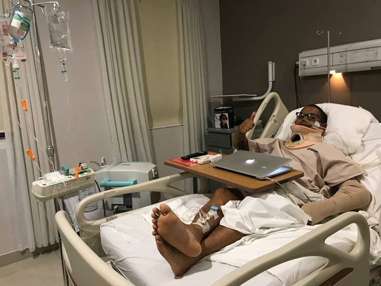 Mikey Lythcott heeft veel geluk gehad. Na verschillende operaties heeft hij op 3 september het ziekenhuis mogen verlaten. Maar hij mag pas naar huis vliegen wanneer de dokters hun toestemming geven.
