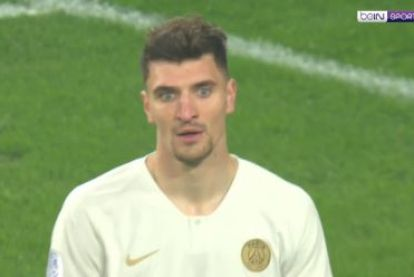 Meunier leidt met pijnlijke own-goal afgang in: PSG nog geen kampioen na 5-1