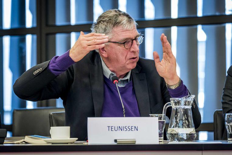Prof. mr. J.M.H.F. Teunissen  tijdens een hoorzitting in de Tweede Kamer met de parlementaire werkgroep dikastocratie, waar wordt gesproken over de macht van rechters. Beeld ANP