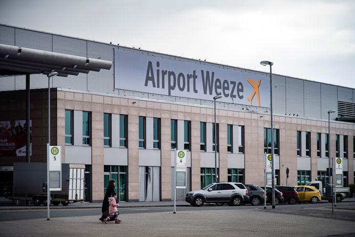 Airport Weeze, vlak over de grens bij Nijmegen.