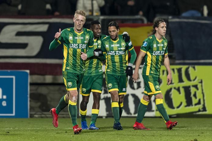 Lex Immers (links) was de gevierde man bij ADO Den Haag vanavond. De middenvelder scoorde tweemaal.