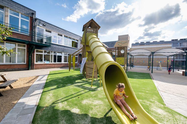 Opening van de nieuwbouw en de speelplaats van Vrije Basisschool Putte.