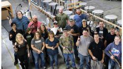 """Bedrijf trakteert elke werknemer op wapen als kerstcadeau: """"Dan voelt iedereen zich veiliger"""""""