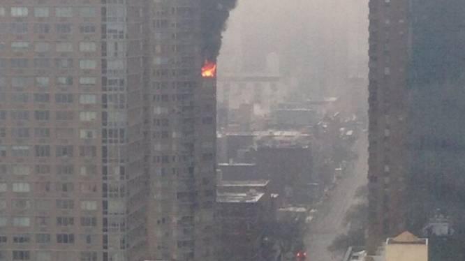 New Yorker twittert vanuit brandende wolkenkrabber