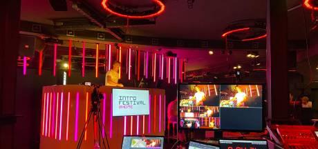 Home-editie van Introfestival: 'Studenten kunnen op vier kanalen tegelijkertijd feesten en kennismaken met de stad'