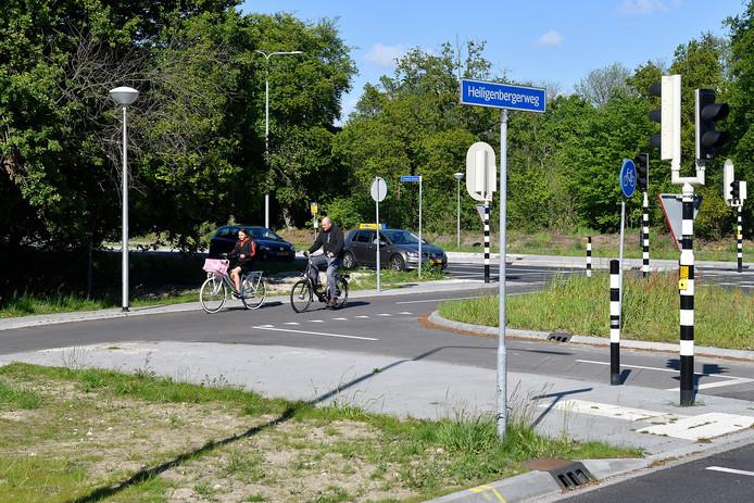 De beoogde plek voor een nieuwe hangplek voor jongeren ligt op de hoek van de Heiligenbergerweg en de Groene Zoom.